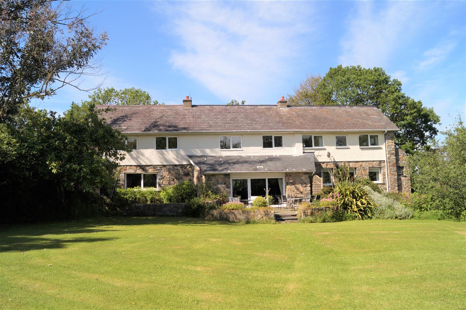 Rhosfawr, Pwllheli - £415,000